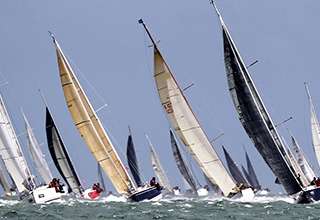 Raymarine named Technical Partner for UK's Round the Island Race in association with Cloudy Bay